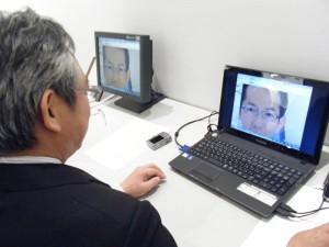 【顔写真撮影、デザインを顔に乗せてイメージとサイズをチェック】TEC2012 テーラーメイドショー